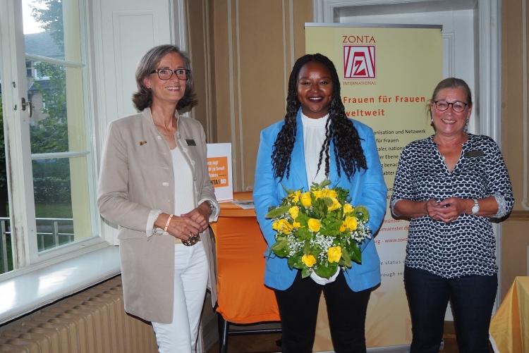 Parität in Parlamenten - Aminata Touré zu Gast beim Zonta Club